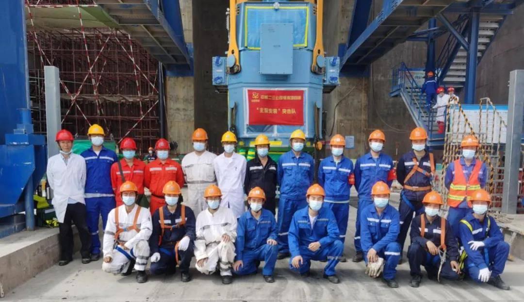 10月26日福清核电6号机组三台主泵电机全部就位完成