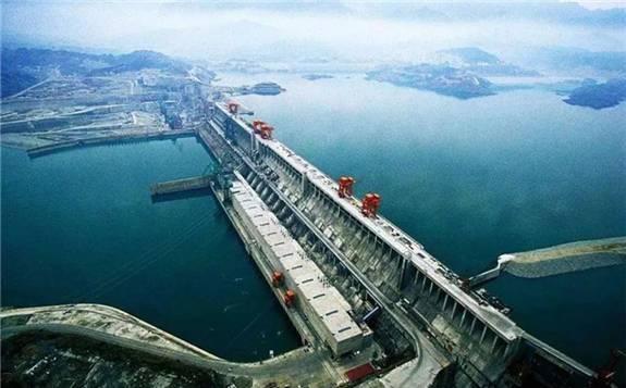 国人追寻百年的三峡工程之梦终于实现!