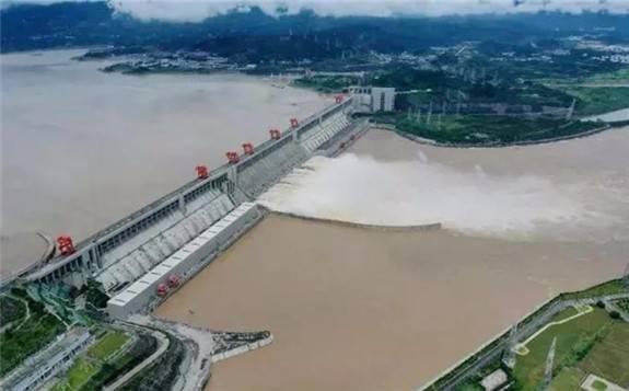 三峡工程创单座水电站年发电量世界纪录!