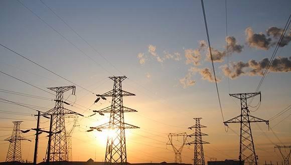 如何通過創新電力交易機制,促進新興產業發展?