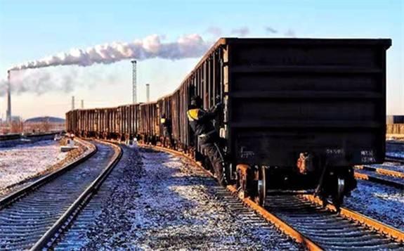 国家铁路日均发送煤炭560万吨、装车8万车 保障煤炭需求