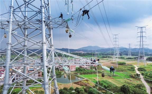 国家发展改革委关于核定昆柳龙直流工程 及配套交流工程临时输电价格的通知
