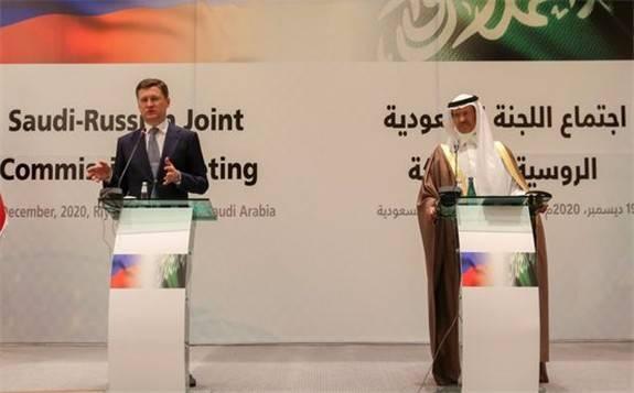 """沙特自愿額外減產,俄羅斯副總理:是送給石油市場的""""新年禮物"""""""
