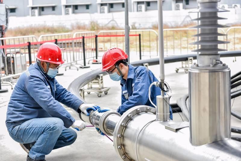 国内首条10千伏三相同轴高温交流超导电缆型式试验成功