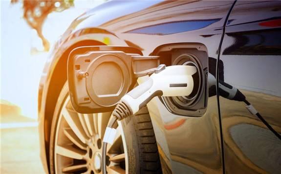 去年我國汽車市場恢復超預期 新能源汽車產銷量創歷史新高