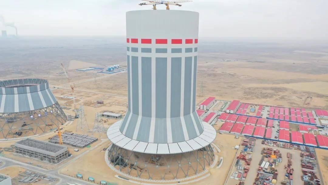 全国首例在百万级机组中采用全钢结构的冷却塔顺利结顶