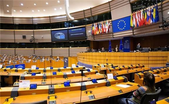 """欧洲议会通过决议叫停""""北溪-2""""天然气管道项目"""