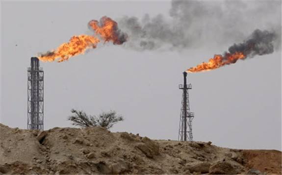 伊朗国家石油公司签署8个项目推动石油日产量提升