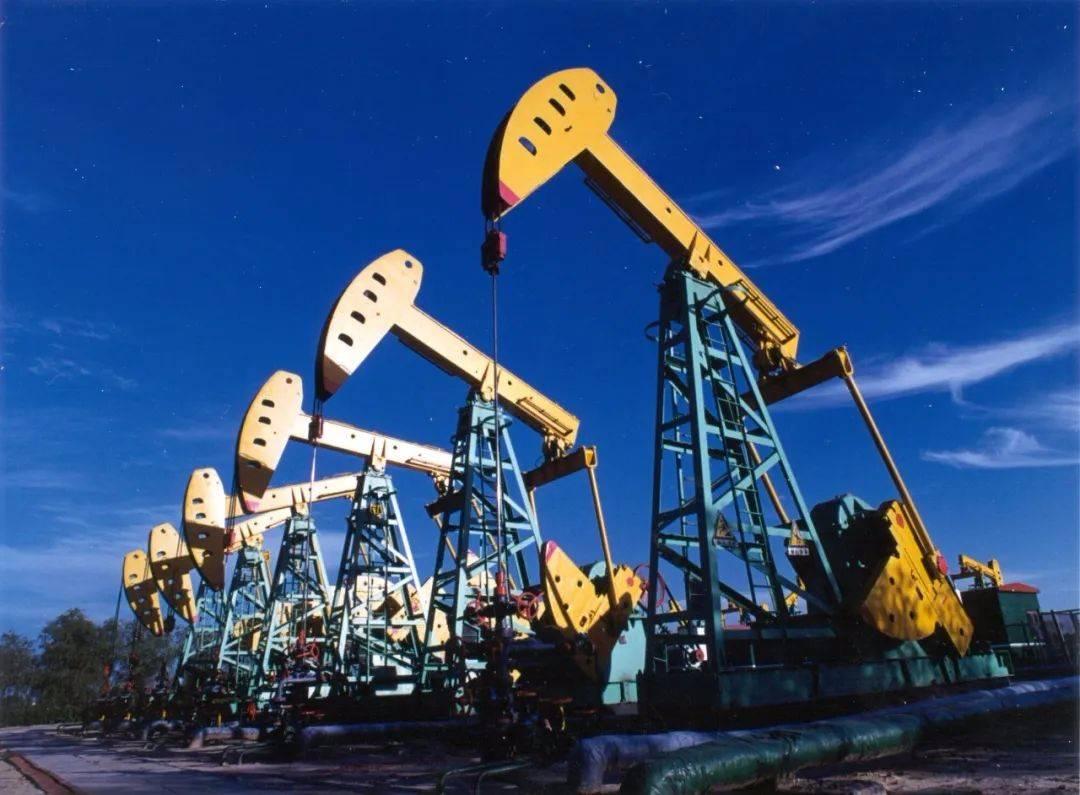 """中国石油""""碳达峰""""催生""""气超油"""",彰显能源央企的责任和担当"""