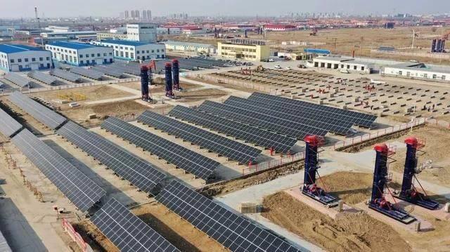 """胜利油田首个集合""""风、光、热、储""""四类新能源技术的示范工程并网发电"""