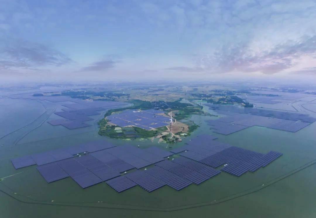 通威集团打造全球高纯晶硅、高效太阳能电池片两大产业龙头,将于2023年前实现碳中和
