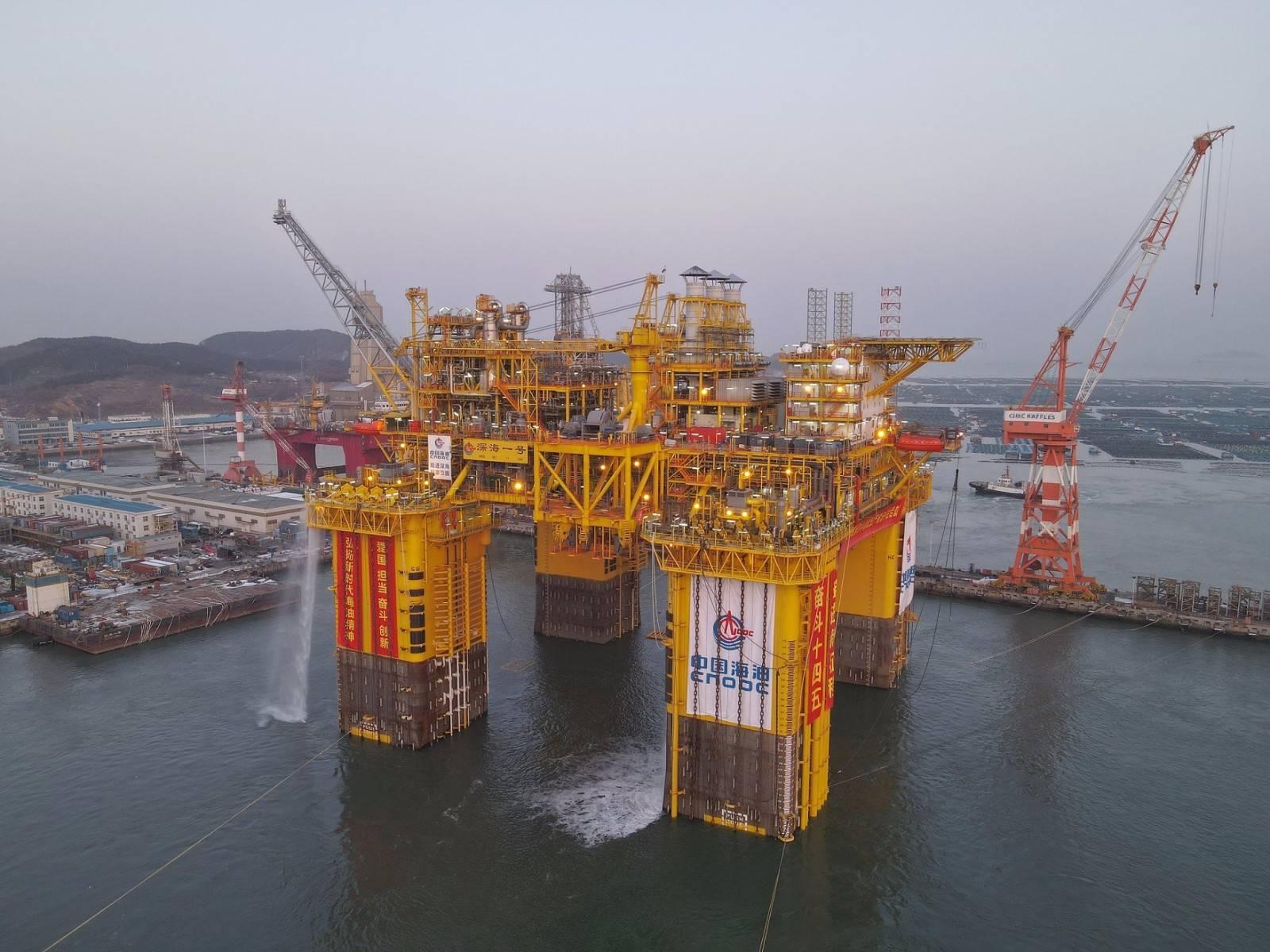 中国海油公布2021年经营策略和发展计划,计划投资近千亿元、投产19个新项目