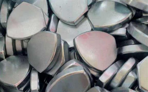 预计到2030年,全球电池对镍的需求有望达到16万吨