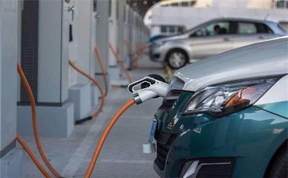 """中國企業在關鍵材料上的技術突破,不僅讓動力電池這顆""""心臟""""更加強勁"""
