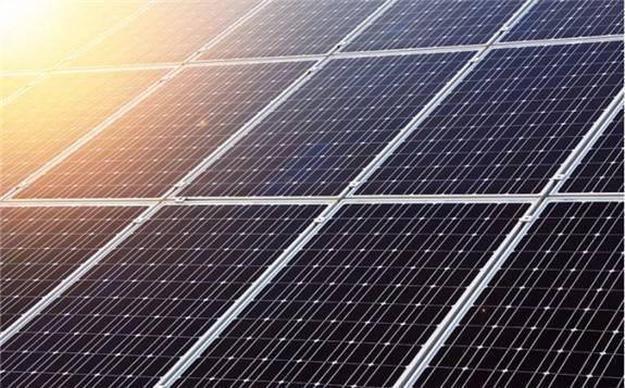 美国太阳能工业协会:美光伏装机容量在2023年将达到324吉瓦