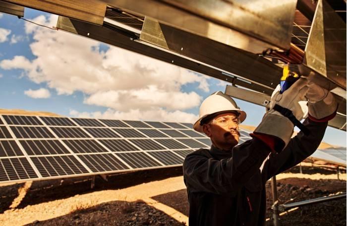 """苹果2020年使用其发行""""绿色债券""""筹集资金资助了17个清洁能源项目"""
