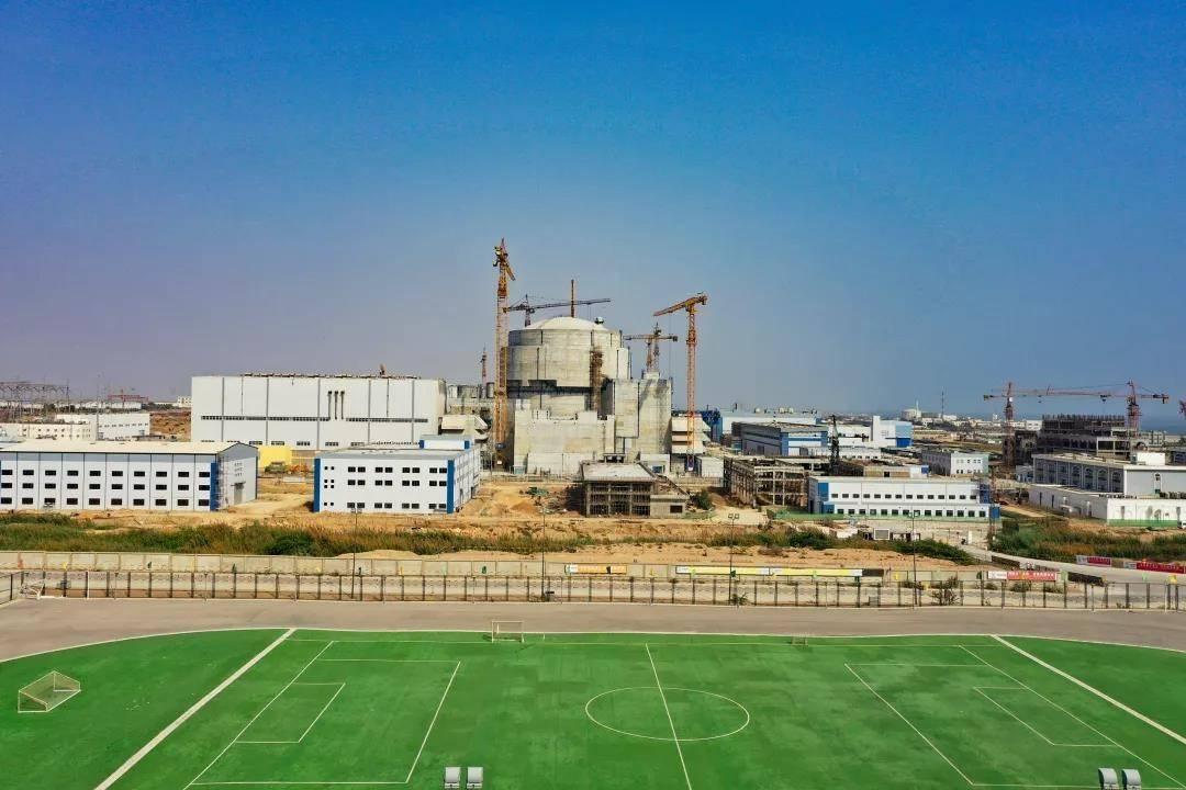 中国自主三代核电华龙一号海外首堆投入商业运行