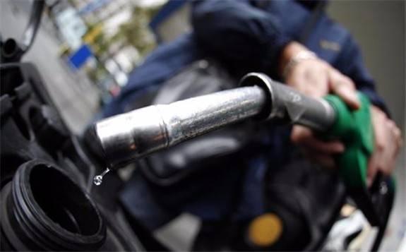欧洲疫情蔓延油价承压,国际油价大跌后反弹