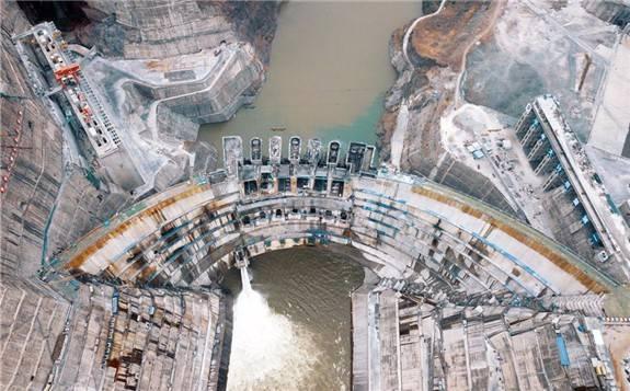 白鹤滩水电站开始蓄水(高清组图)