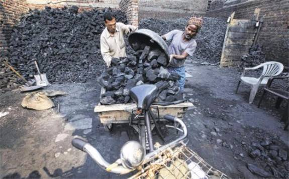 印度逆势追捧煤炭,称扩大煤炭产能仍是首要任务