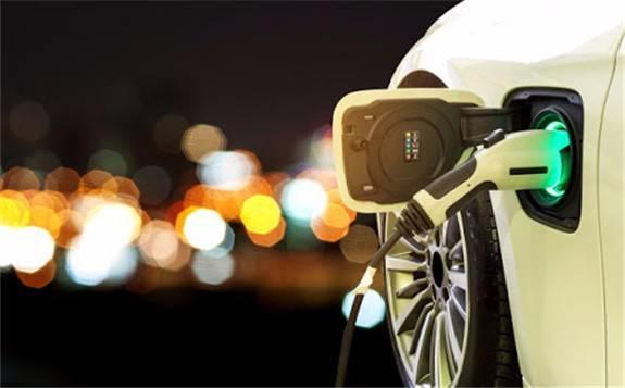 新能源车的电动化智能化路径
