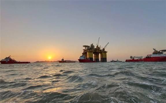 大国重器助深海油气开采抗台风
