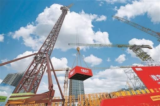 全球最大风电动臂塔机LW2340-180于常德下线