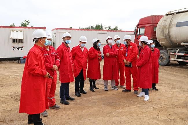 自然资源部油气资源管理改革调研组到中曼温宿区块考察调研