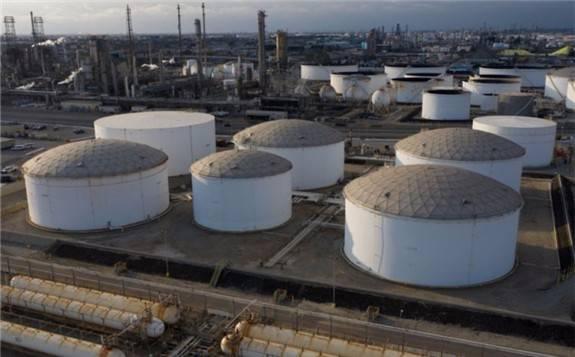 伊朗重新供应石油的预期之下 全球石油价格下跌2%