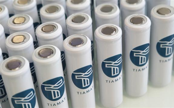 """那么""""钠电池""""到底是怎样一种产品?国内外又有哪些企业在研发这种电池呢?"""