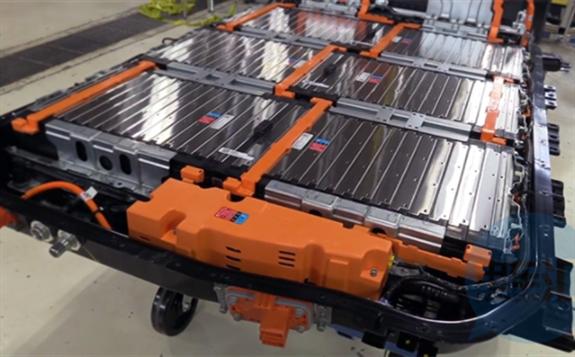 动力电池需求增长强劲 电解液价格上涨