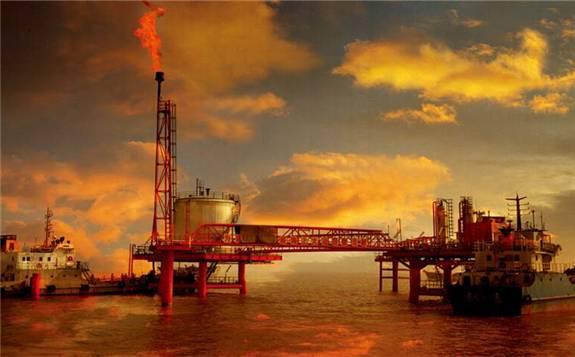 两大原油期货指标攀升至近两年高点 国内油价将迎年内第八次上调