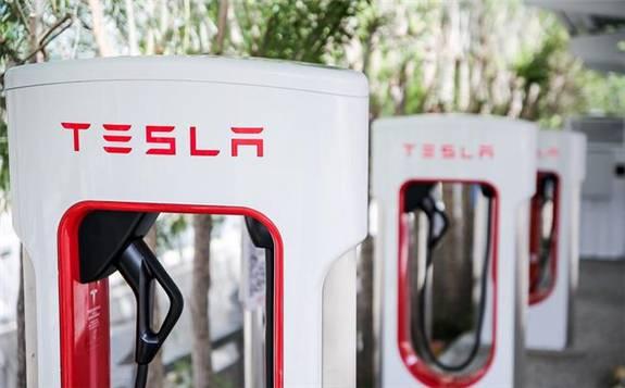 特斯拉计划向其他汽车制造商开放超级充电网络