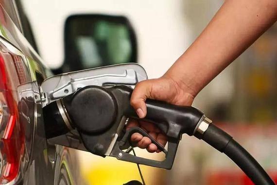 """国内油价大概率""""三连涨"""""""