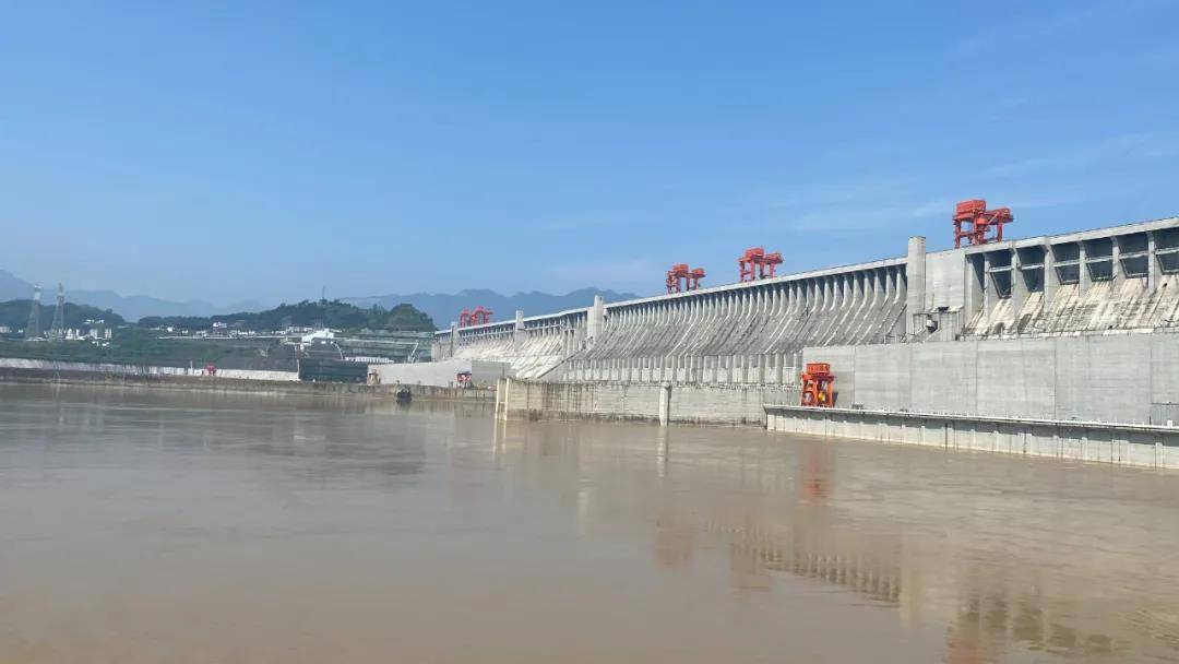 三峡水库迎战今年首场4万立方米每秒量级洪水