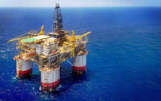 供需预期变化引暴跌 国际油价走向何方