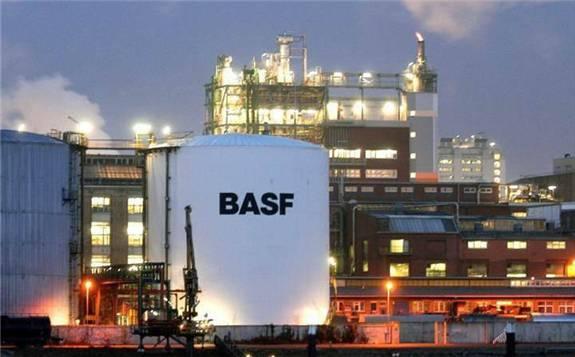 巴斯夫與保時捷系公司合作共同開發下一代鋰電池技術