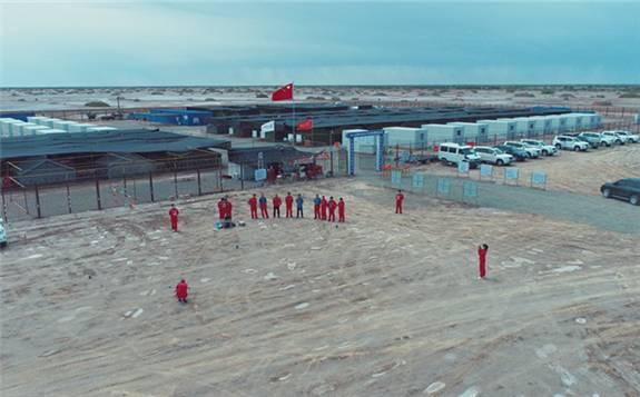 塔克拉玛干沙漠洪水淹了中石化3万台设备