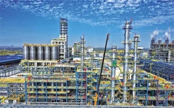 中国首套自主知识产权乙烷制乙烯项目投料开车成功