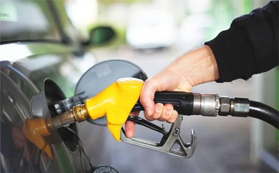 多重利空因素致油价2日下跌超过3%