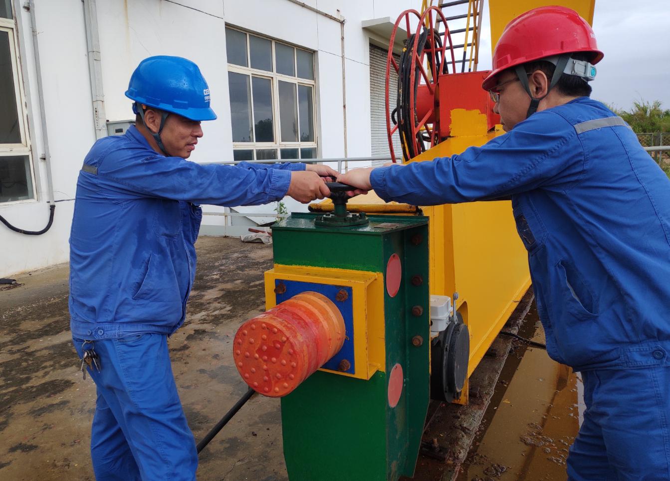 """国能(福州)热电有限公司闻风而动全力防御台风""""卢碧"""""""