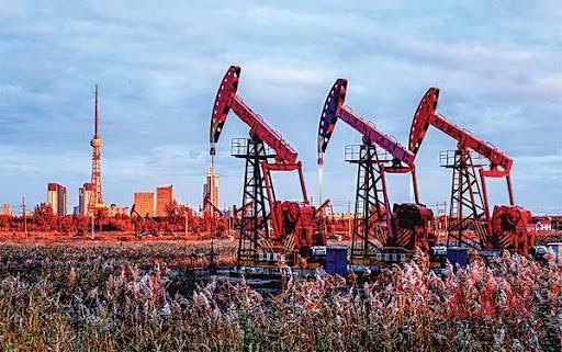 大庆油田复合驱大幅度提高采收率技术助力百年油田建设