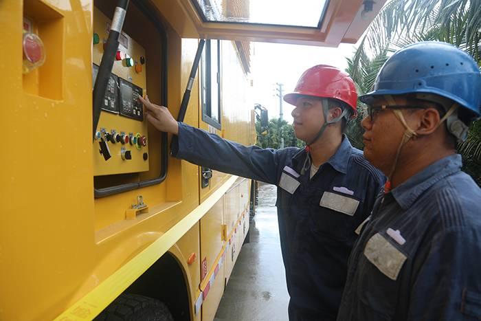 海南电网首次大规模开展特种技术装备联合检修作业