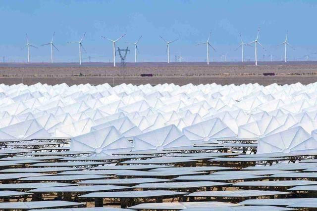 哈密50兆瓦熔鹽塔式光熱發電站正式進入并網發電期