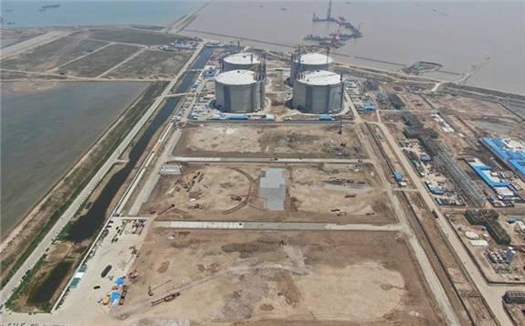 江蘇濱海LNG碼頭主體工程完工
