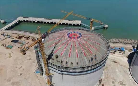 温州LNG项目2号储罐穹顶顺利顶升 有助完善天然气供储销体系