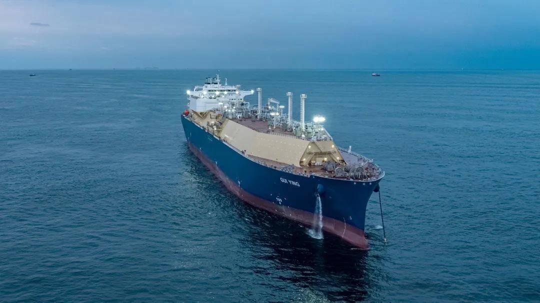 """17.4万立方米大型LNG船""""桂英""""号命名"""