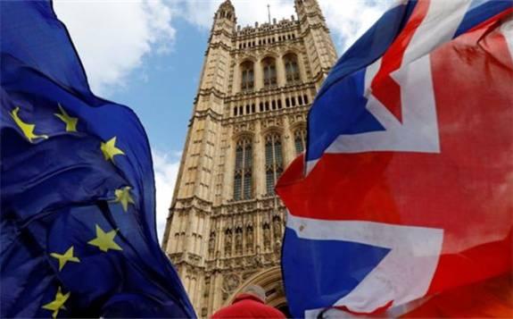 英国脱欧后遗症来了