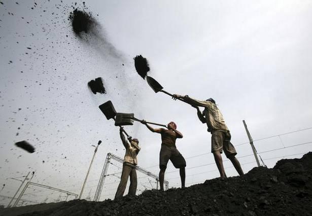 印度电煤危机:有电厂煤已用光 半数仅剩两天存量