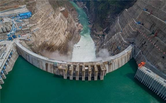 """金沙水电站全面建成投产发电 将为实现""""双碳""""目标作出重要贡献"""